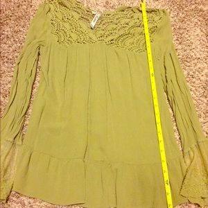 Green bell-sleeve blouse size L